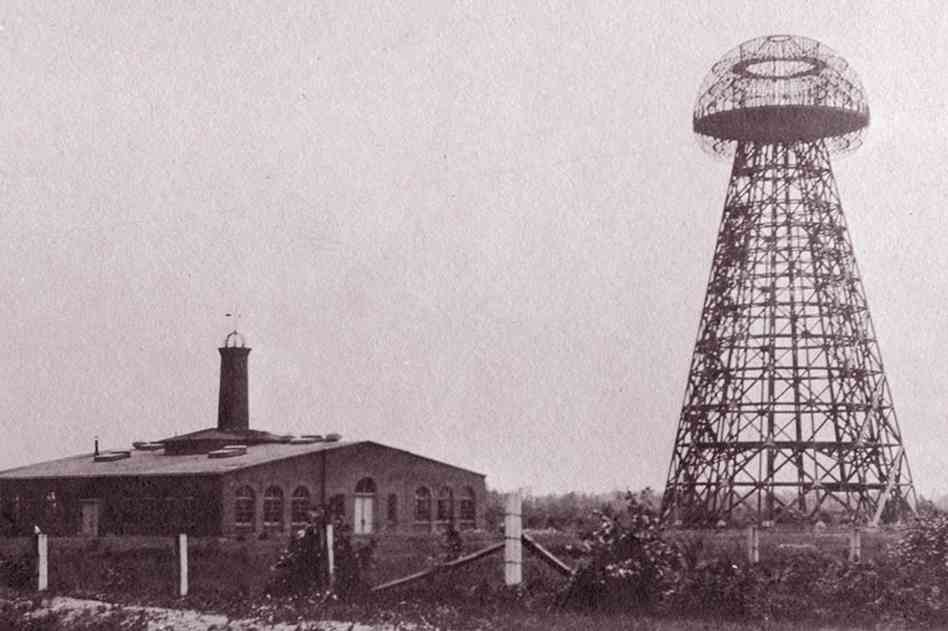 Wardenclyffe Tower in 1904