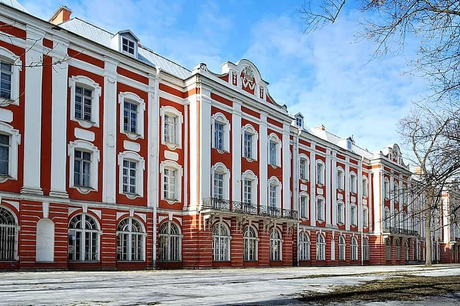Dmitri Mendeleev graduated from the Main Pedagogical Institute, St Petersburg